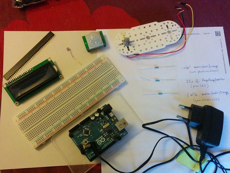Arduino, mouvement et luminosité : Les composants (manque led rouge)